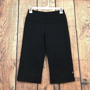 Lululemon Black Loose Crops 6